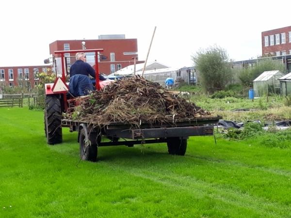 Laatste Himmeldei 2017 in oktober. Van het groen-afval uit de sloten wordt compost gemaakt.
