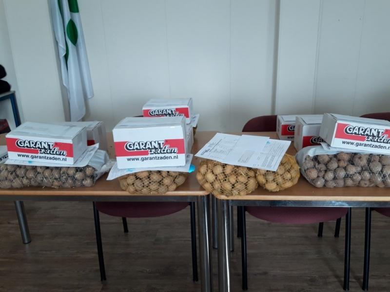Himmeldei maart 2019. Het nieuwe seizoen is begonnen, met het uitdelen van bestelde pootaardappels en zaad!